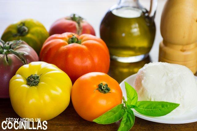 Ensalada de tomate y mozzarella (ingredientes)