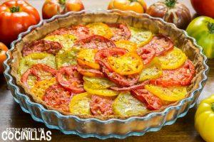 Tarta de tomates de colores