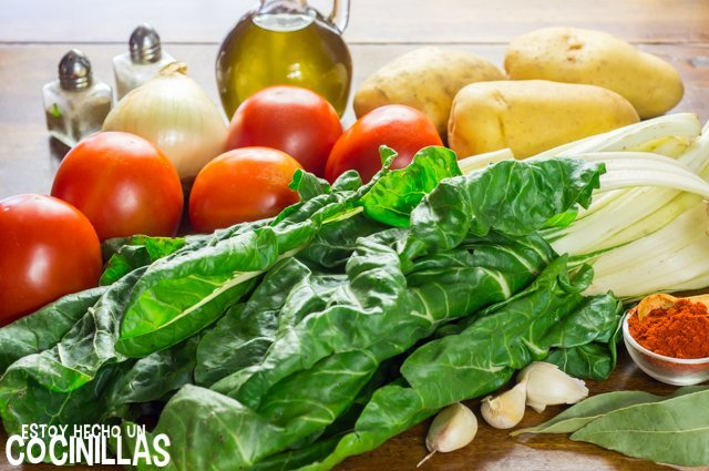 Acelgas con tomate (ingredientes)