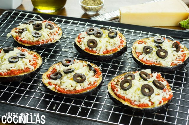 Pizza de beernjena (aceitunas negras)