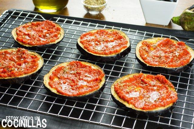 Pizza de beernjena (salsa de tomate)