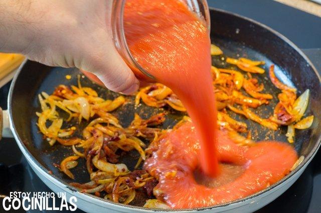 Pollo a la riojana (tomate)
