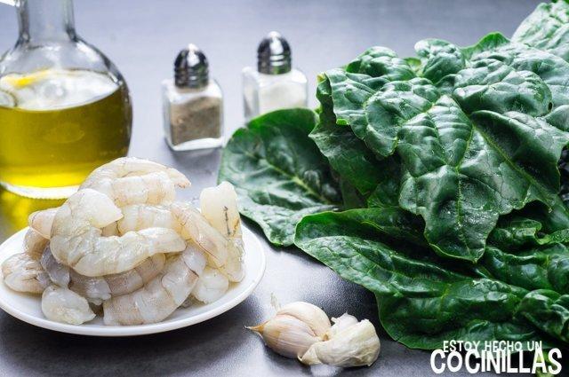 Espinacas rehogadas con gambas (ingredientes)