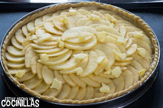 Tarta de manzana con masa quebrada (mantequilla y azucar)
