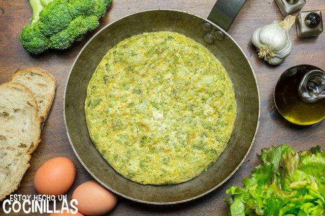 Tortilla de brócoli (sartén)