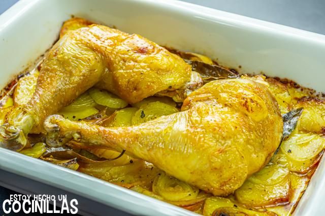 Cuartos traseros de pollo al horno (reposo)