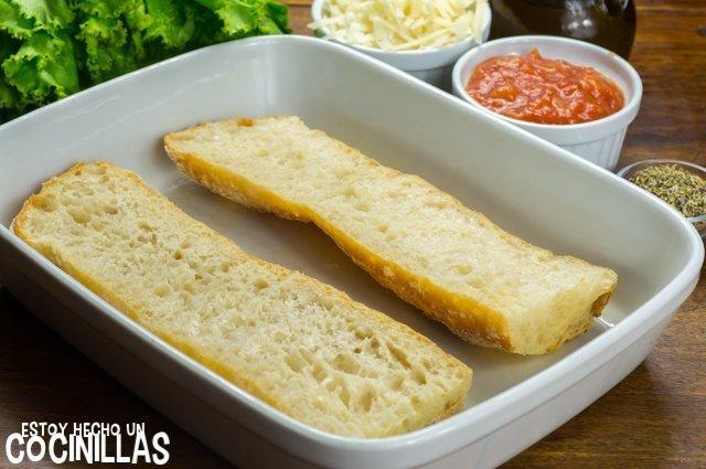 Paninis caseros (cortar el pan)