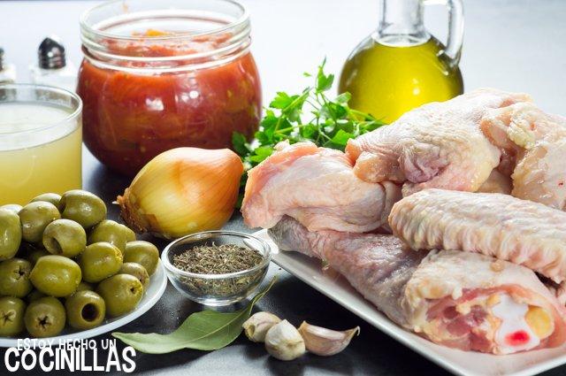 Pollo con salsa de tomate y aceitunas (ingredientes)