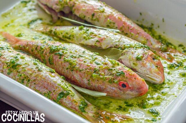 Salmonetes con aliño de ajo y perejil