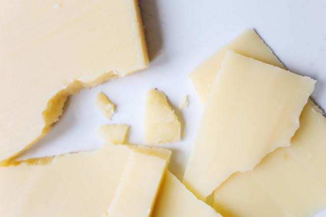 Copos de queso parmesano