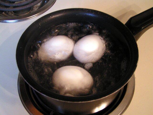 Ensalada de pasta espirales (huevos cocidos)