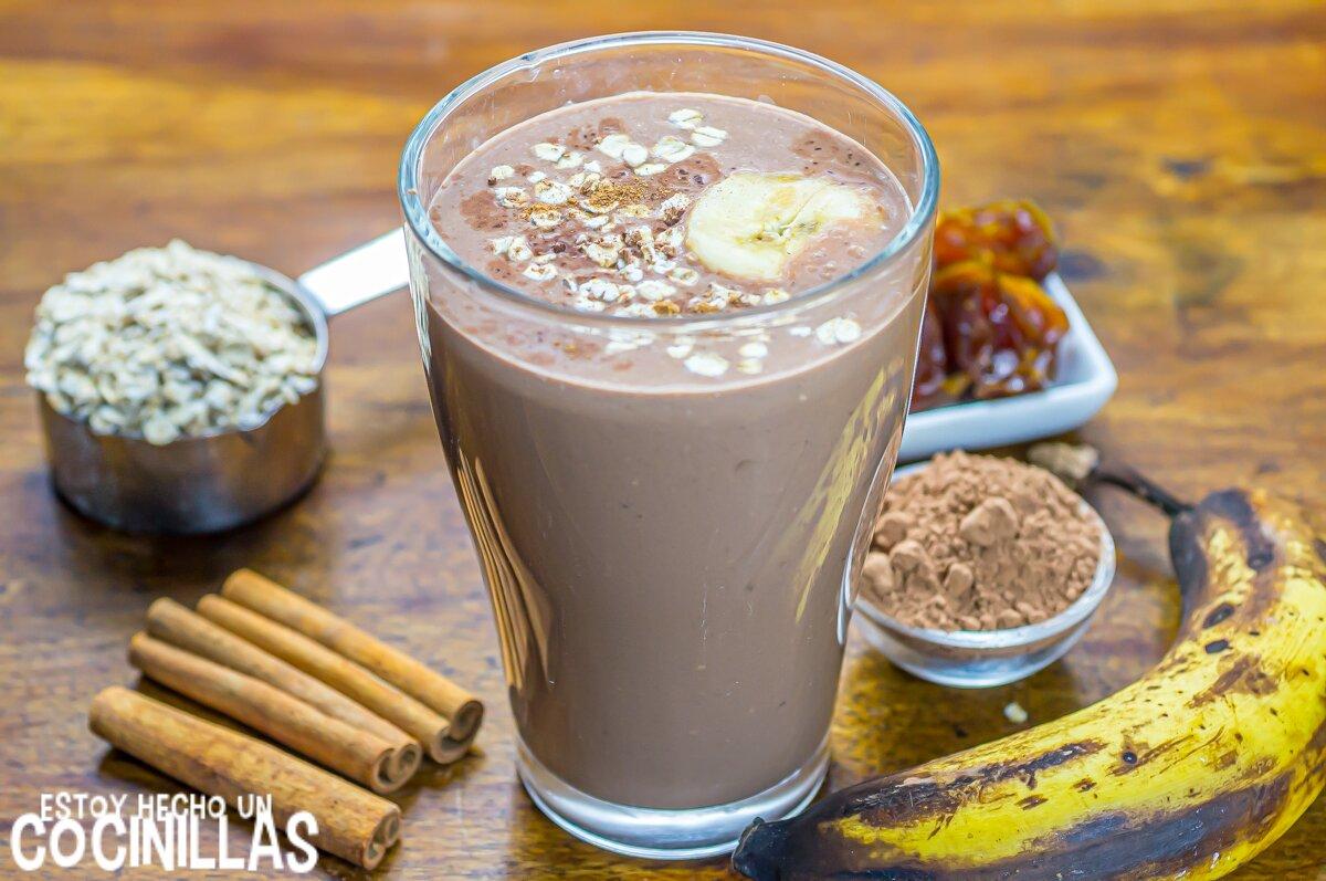 Batido de chocolate, plátano y avena