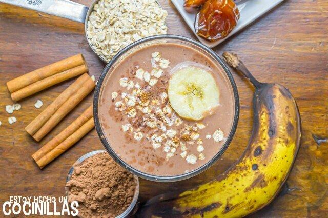 Batido de chocolate (receta con plátano y avena)