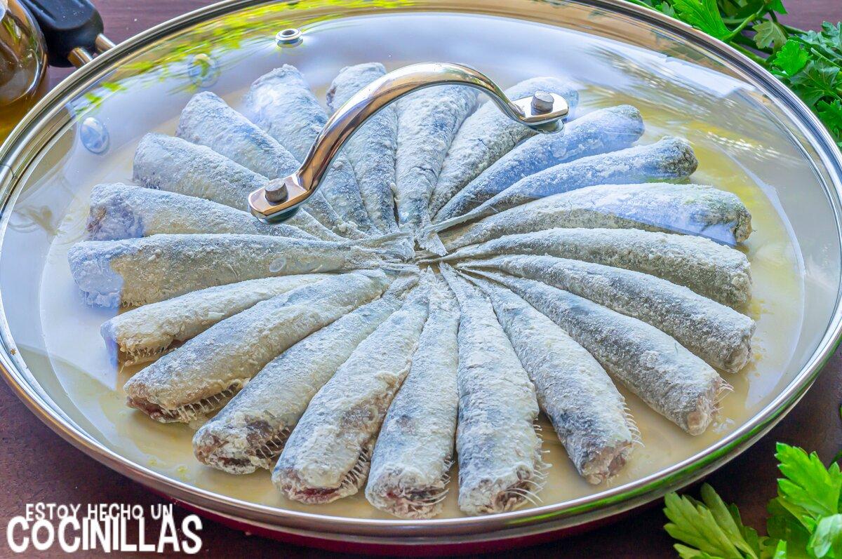 Sardinas fritas (tapar la sartén)