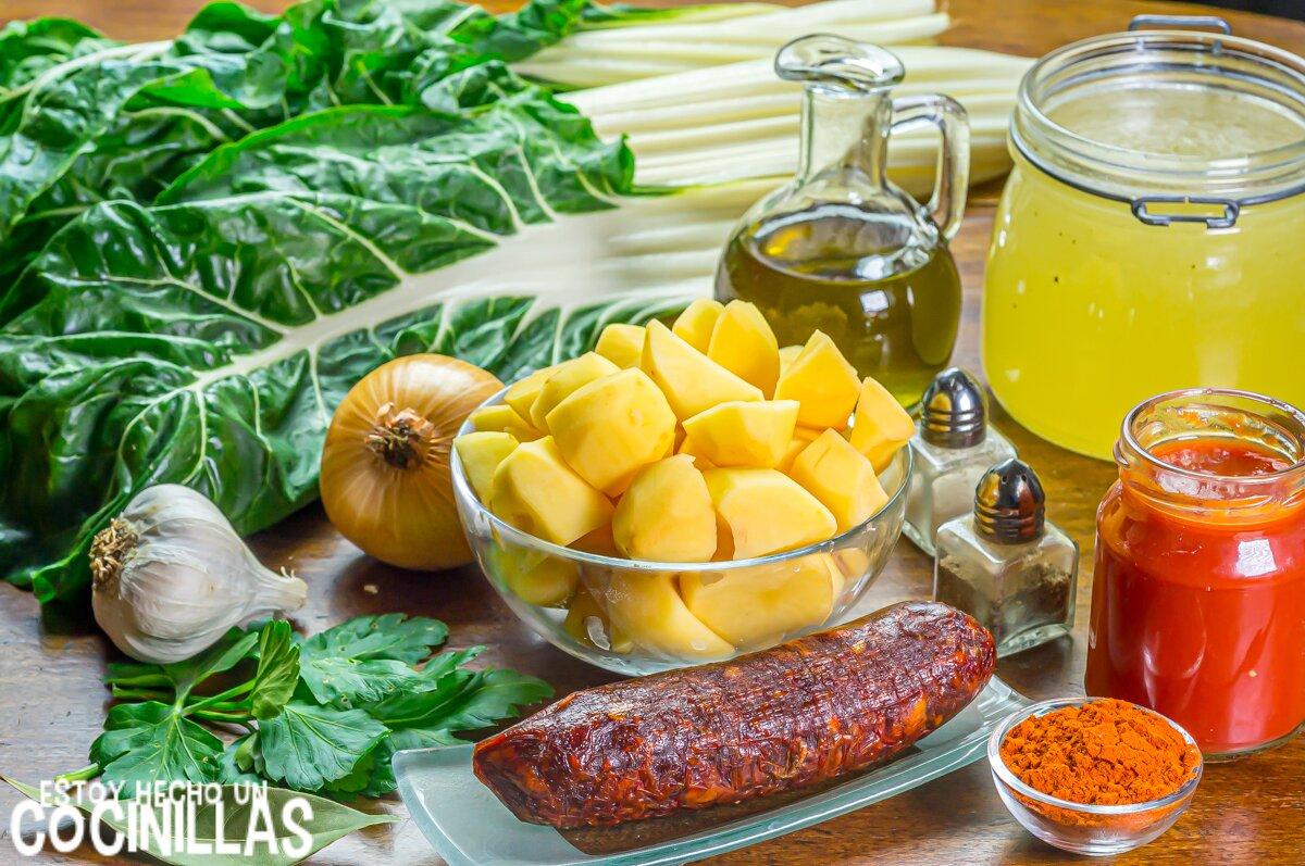 Ingredientes para guiso de patatas con chorizo y acelgas