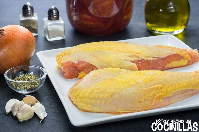 Ingredientes pechugas de pollo con salsa de tomate frito casero