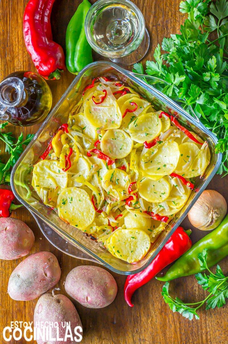 Patatas a lo pobre al horno (receta)