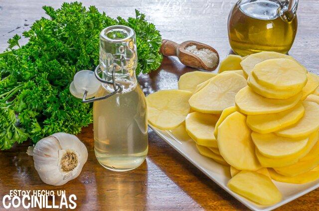 Patatas al ajo cabañil (ingredientes)