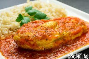 Pechugas de pollo con salsa de tomate frito casero
