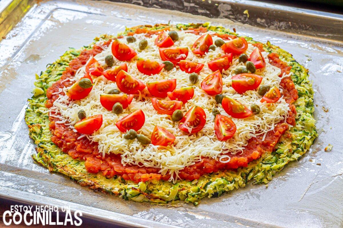Pizza de calabacín con salmón