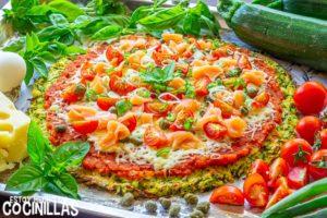 Pizza de salmón con base de calabacín
