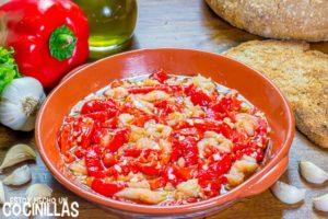 Esgarraet valenciano (ensalada de pimientos asados y bacalao)
