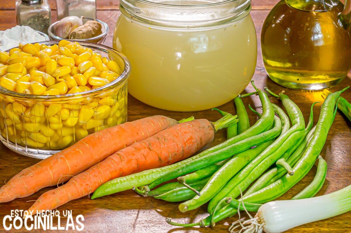 Ingredientes para sopa china de maíz con verduras