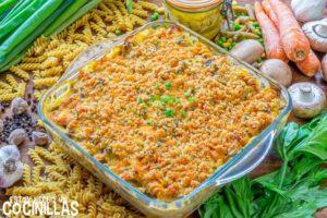Pasta al horno con atún y verduras (tuna noodle casserole)