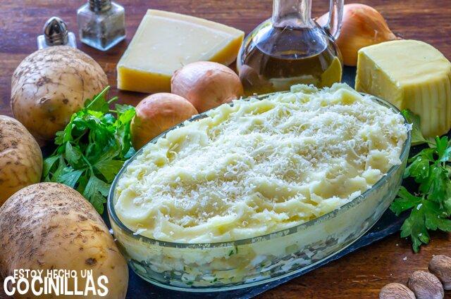 Pastel de pescado y patata (parmentier de pescado). Puré de patatas