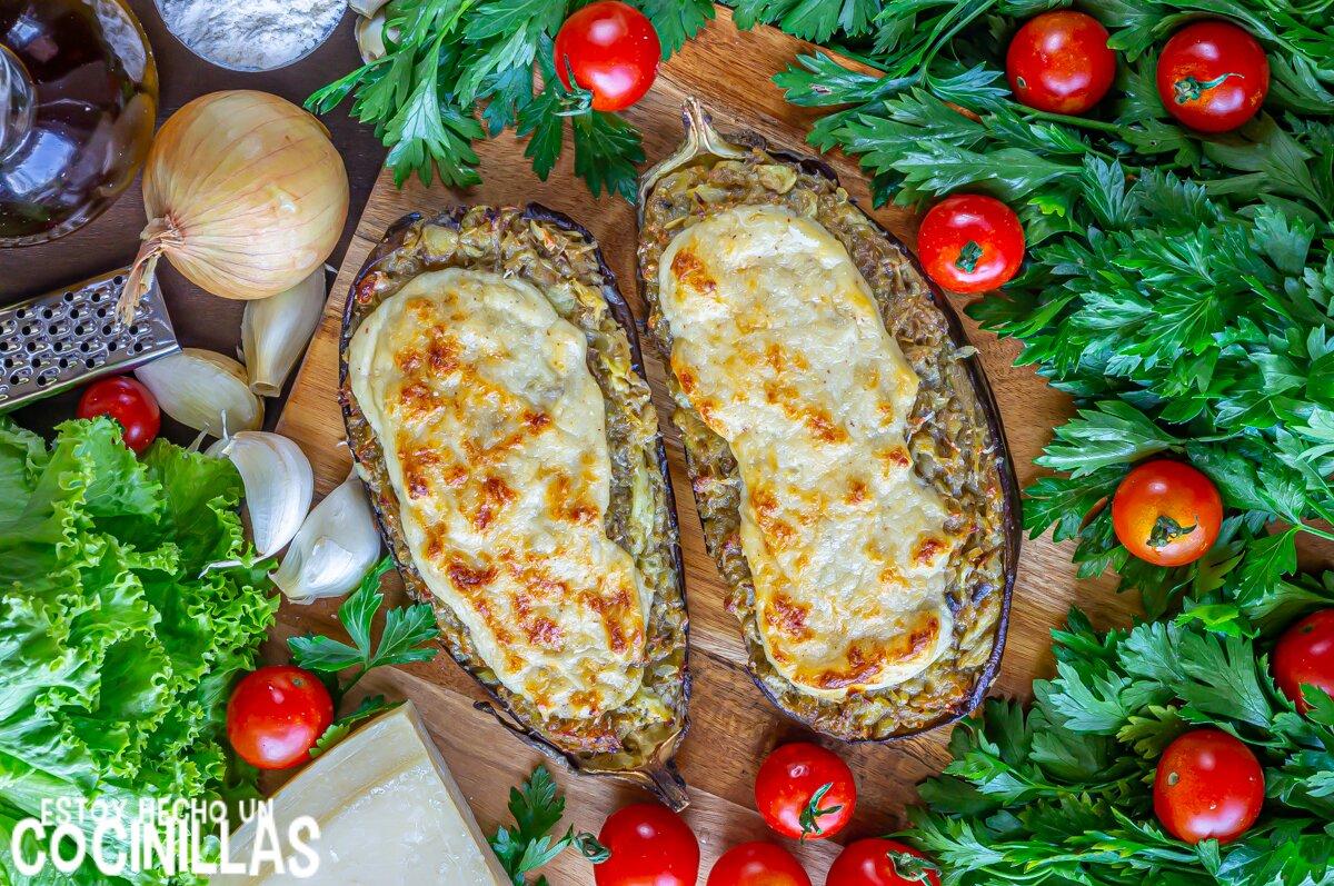 Receta de berenjenas rellenas de pollo con bechamel y queso