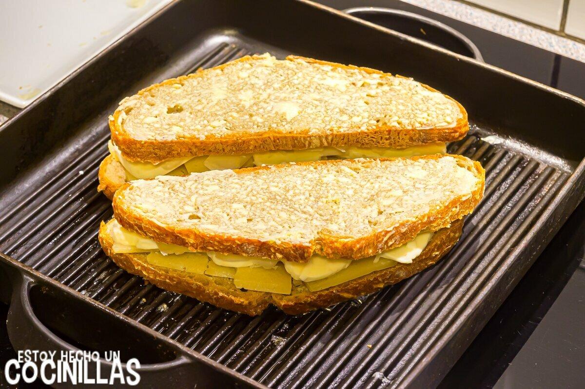 Sándwich de queso fundido