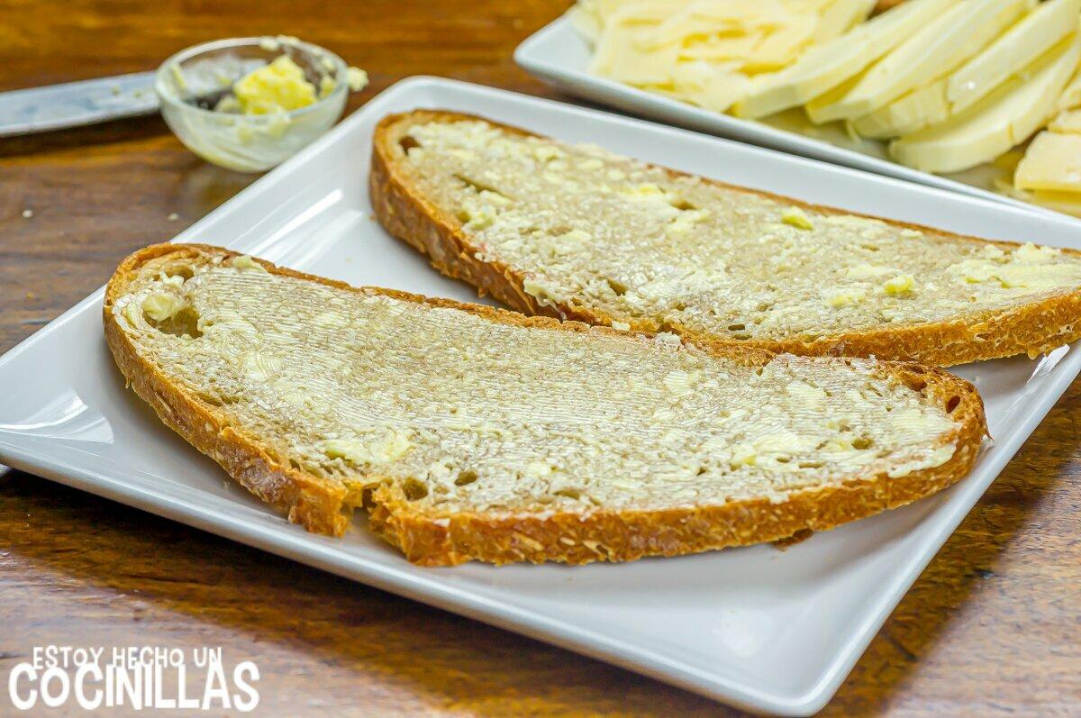Sándwich de queso y mantequilla