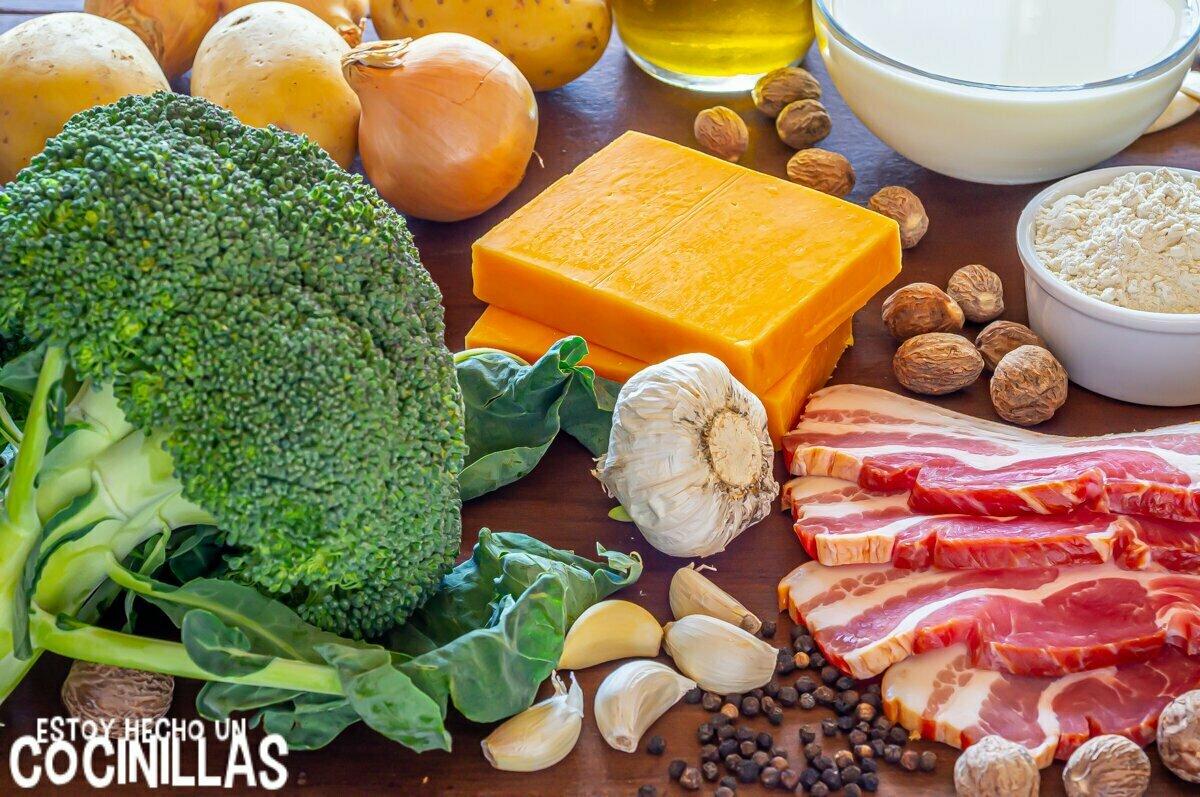 Ingredientes para brócoli con bechamel de queso, patatas y baco