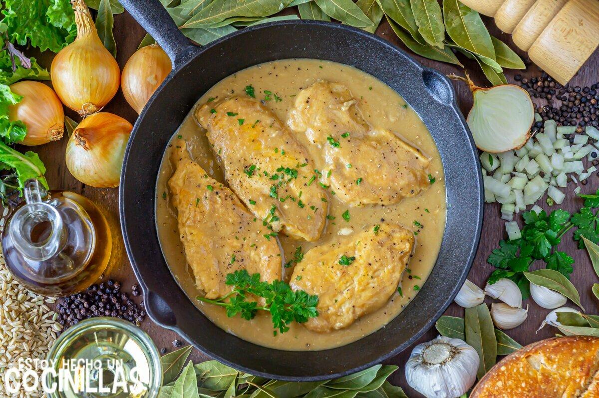 Receta de filetes de pollo en salsa de cebolla