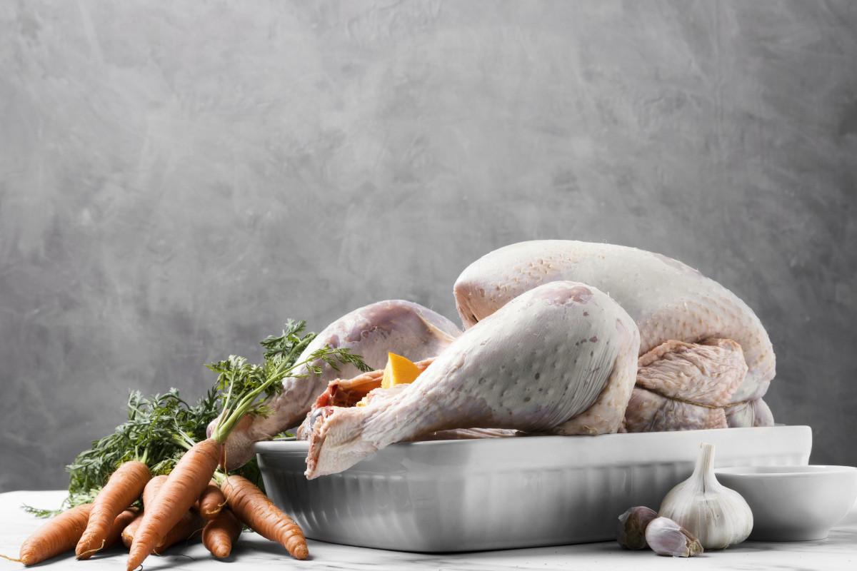 Cómo hacer pavo al horno relleno de verduras