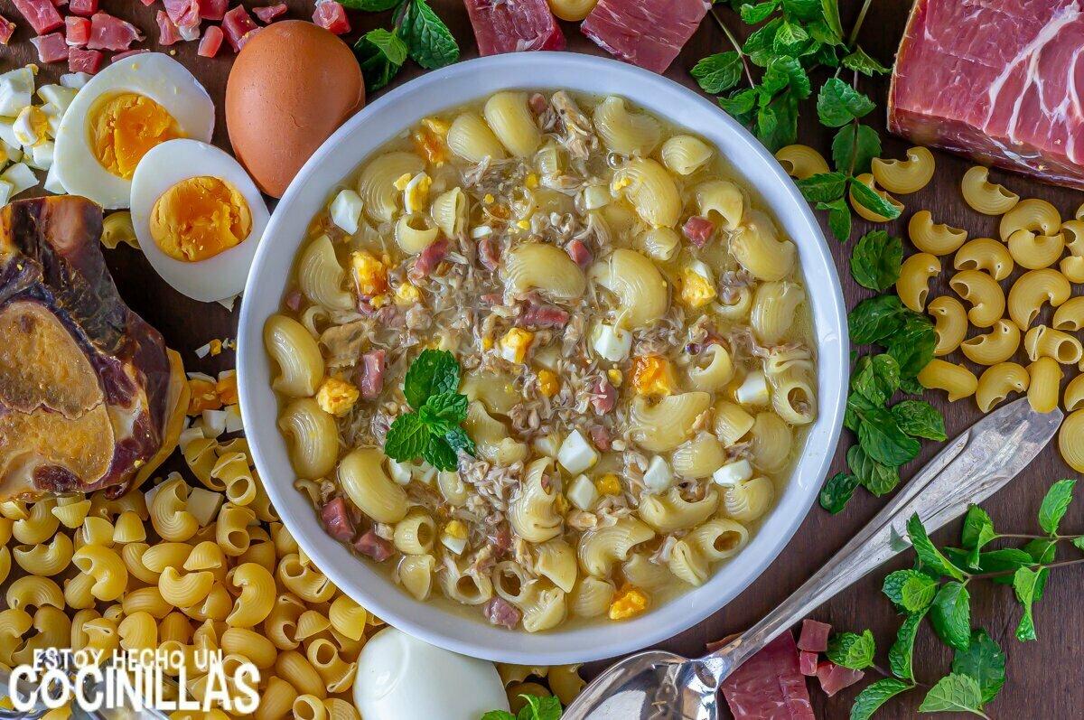 Receta de sopa de picadillo con pollo jamón y huevo