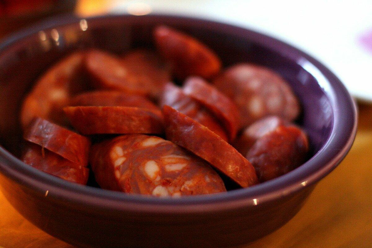 Chorizo cortado en rodajas