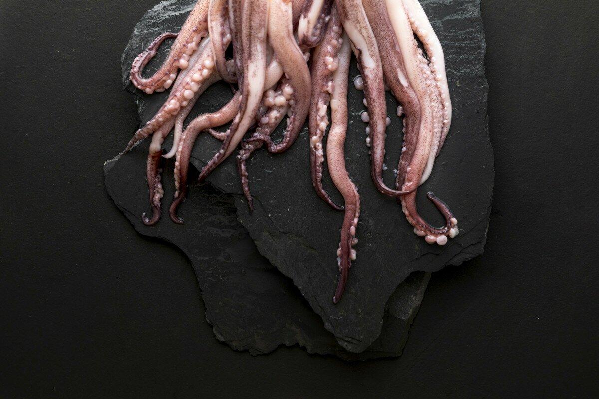 Ingredientes rejos fritos a la andaluza (patas de calamar o potón)