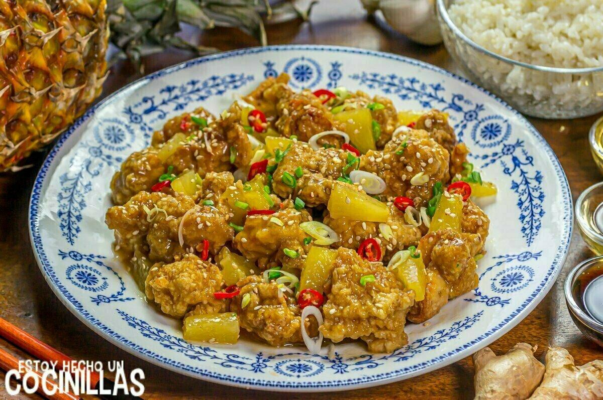 Pollo con piña estilo chino
