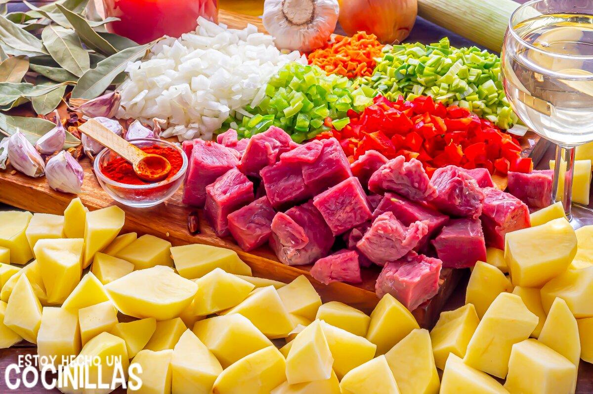 Guiso de patatas con ternera (ingredientes)