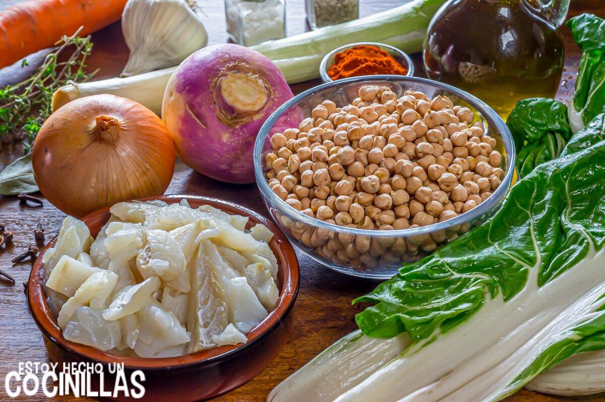 Ingredientes potaje de garbanzos con bacalao y acelgas