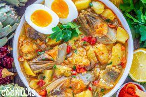 Guiso de patatas con bacalao y alcachofas