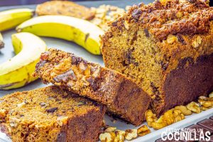 Bizcocho de plátano, chocolate y nueces (banana bread)