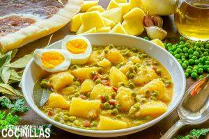 Guiso de patatas con guisantes y jamón