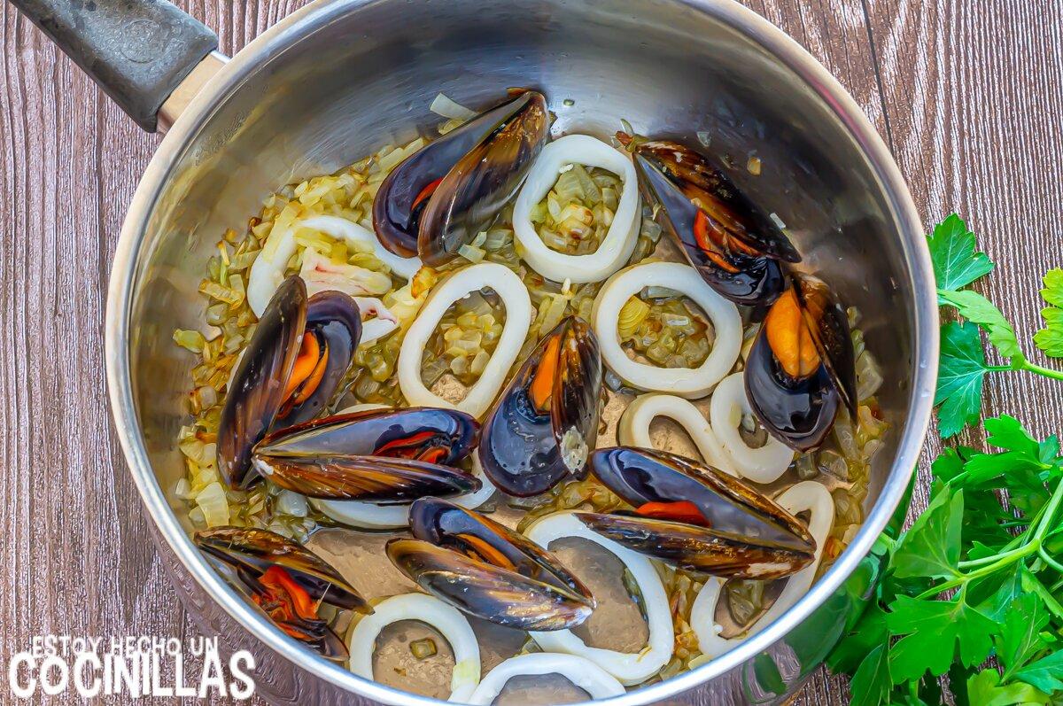Cómo hacer cuscús siciliano de pescado y marisco