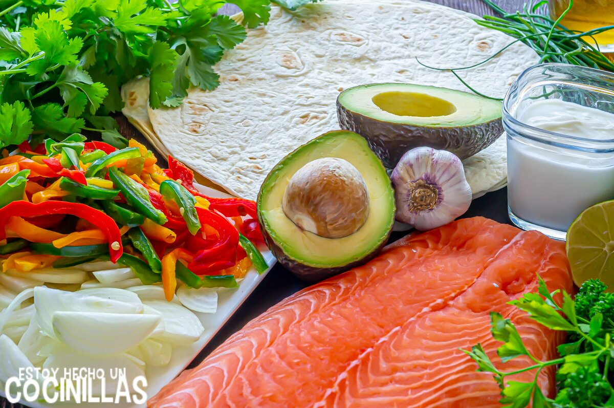 Ingredientes burritos de salmón y verduras