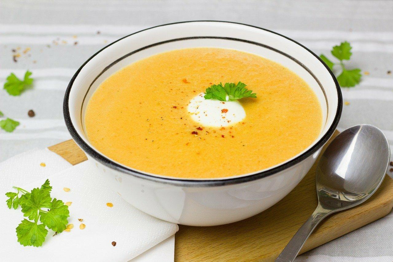 Crema fría de zanahoria y leche de coco